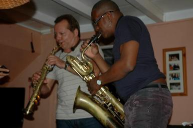 Habana Sax performing