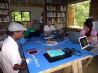 Ask Kaereby conducting a workshop on experimental sound art
